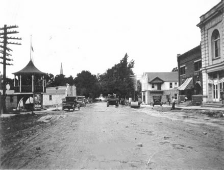 Rushville Downtown - Northbound